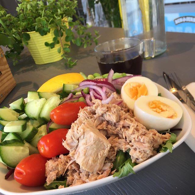 Nyhet sommarsallad! Tonfisk med sojabönor och citronvinegrette #sommarsallad #tonfisk #materiamajorna #materiapopup